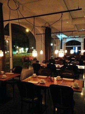 Miss Clara by Nobis: レストランは間接照明で雰囲気のある良い印象、味も良いです