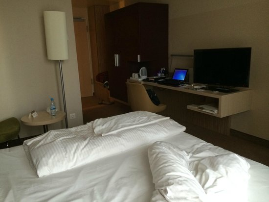 Movenpick Hotel Frankfurt am Main City: spacious room