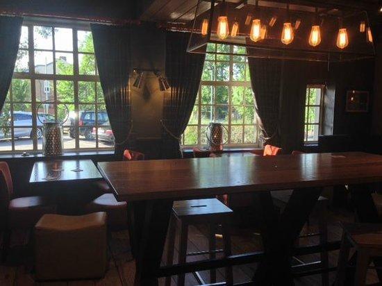 The George Harvester: Restaurant Area