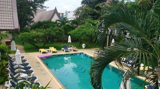 Centara Kata Resort Phuket: POOL