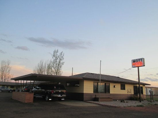 Mott Motel - Sunset