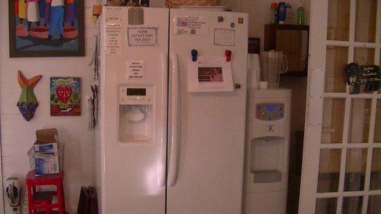 Key West Bed And Breakfast: Kühlschrank U0026 Wasserspender Für Die Gäste