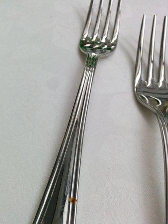 Parc Hotel Gritti : incostratura nel gambo della forchetta a sx