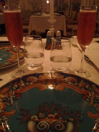 Palazzo Versace : Having a nice dinner trying to forget the unsatisfactory service