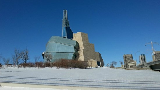 Mere Hotel: Canadian Museum for Human Rights under construction