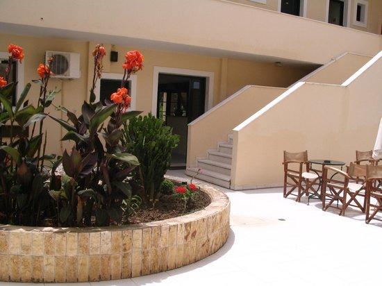 Bozikis Palace: El patio interior