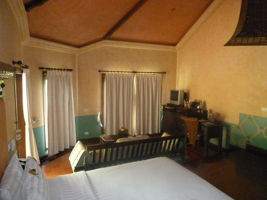 Mangosteen Resort & Ayurveda Spa: Big spacious room with plenty of windows
