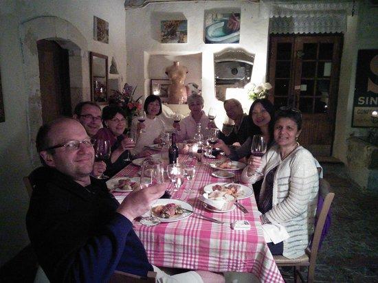Belle de Nuit Chambres d'Hotes : Friends at dinner Belle de Nuit