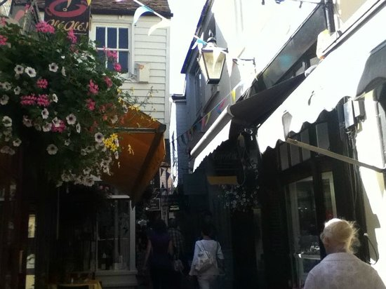 The Lanes : Charming!