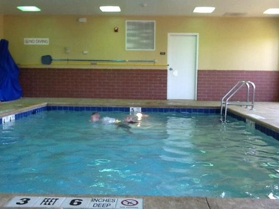 Hyatt Place Saratoga / Malta: pool