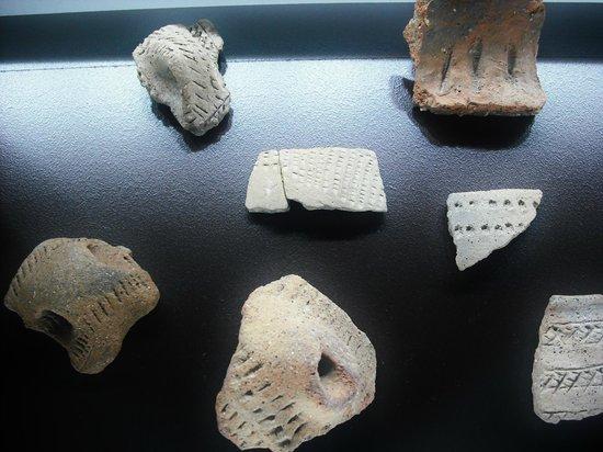 Museo de Almería: Tonscheiben aus der frühen Siedlungszeit. Etwa 3. Jahrtausend v. Chr.