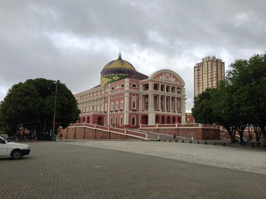 Teatro Amazonas: Vista distante