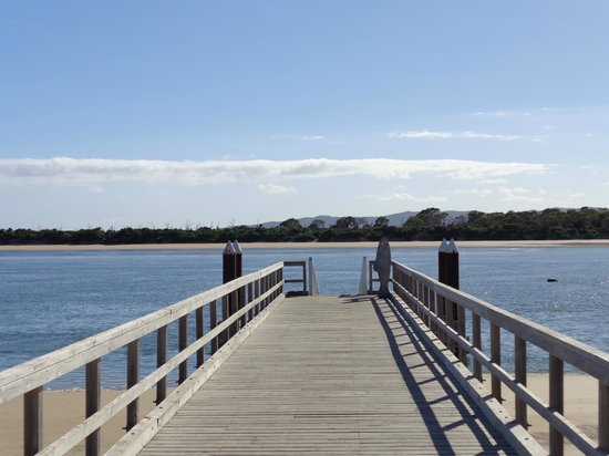 Sails on Port Sorell: Port Sorell Jetty within walking distance