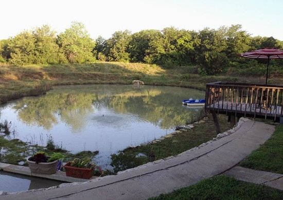 The BrierHouse Bed & Breakfast: The Pond, only steps from the front door