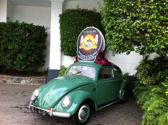 Mount Lavinia Hotel : Vintage car