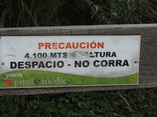 Teleferico Quito : Warning signs at the top