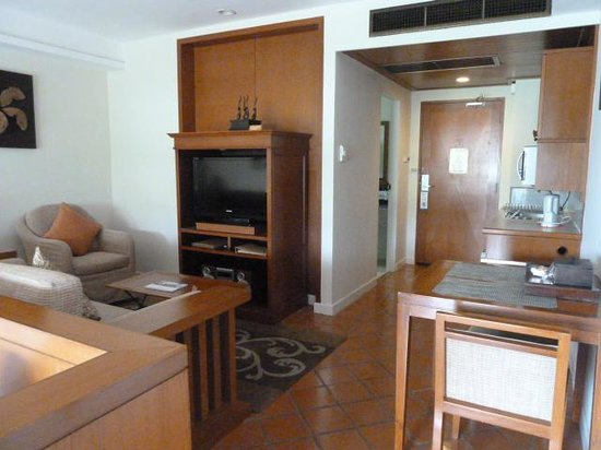 Kantary Bay, Phuket: very spacious, separate sleeping area