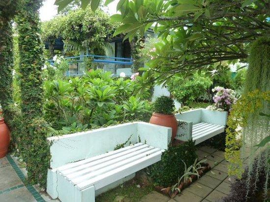 Kantary Bay, Phuket: Gardens are beautiful