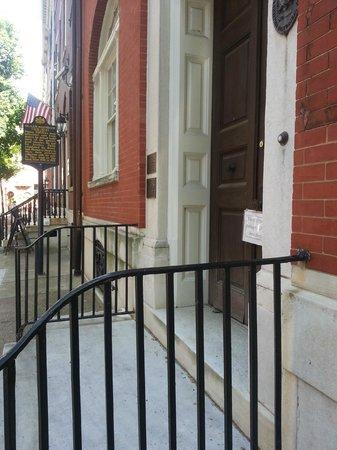 Rosenbach Museum and Library: Lovely street on which Museum is located