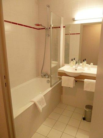 Best Western Les Bains de Perros-Guirec Hotel et Spa : Salle de bains