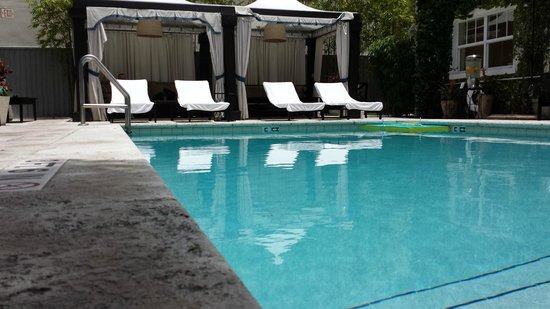 Angler's Miami South Beach, a Kimpton Hotel: Pool area