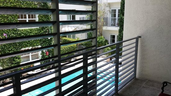 Kimpton Angler's Hotel : Pool Villa - Room 108: Balcony on second level