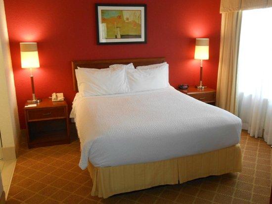 Residence Inn Fort Lauderdale Plantation: Comfy bed