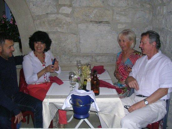 Un super g teau d 39 anniversaire photo de l 39 olivier de for Repas pour amis