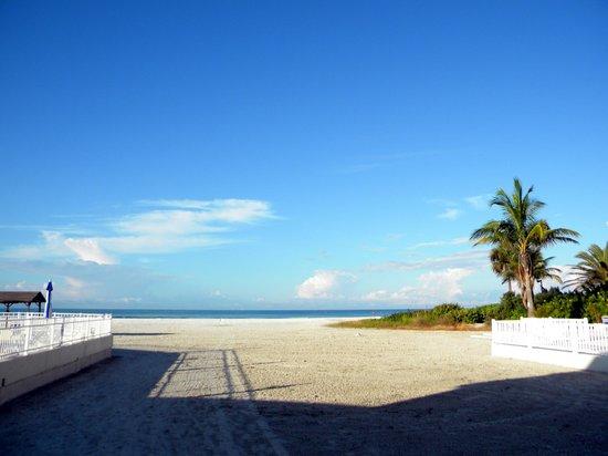 Siesta Beach : Siesta Key, FL  Crescent Beach, seen from Beachaven Villas