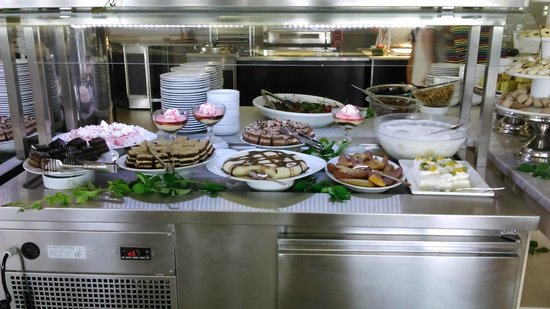 Waterman Svpetrvs Resort : buffet