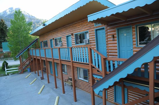 Ouray Inn: view of property