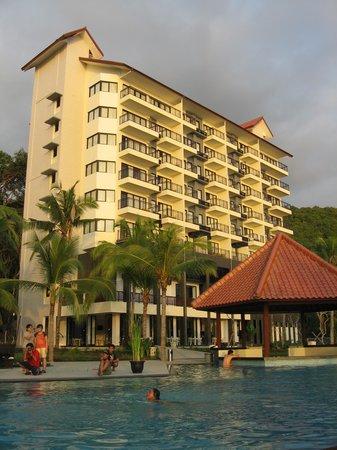 Pemandangan Hotel Dari Kolam Renang Picture Of Laprima Hotel