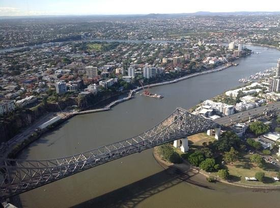 Meriton Serviced Apartments Brisbane on Adelaide Street: river view from 7201, the photo doesnt do it justice
