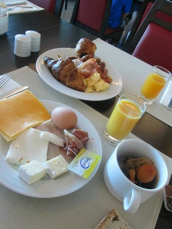Aquashow Park Hotel: Pequeno-almoço
