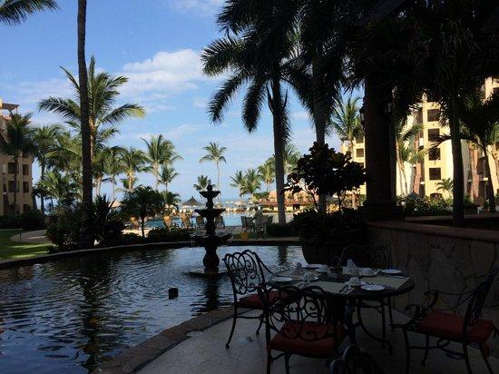 Villa La Estancia Beach Resort & Spa Riviera Nayarit: Area de terraza junto al restaurante principal