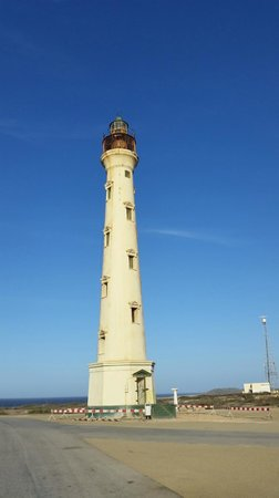 De Palm Tours: California lighthouse