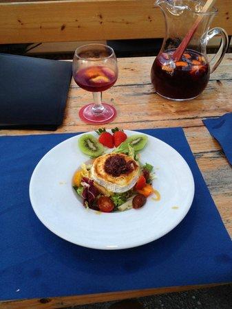 Hostal Villa Ampurdan: goats cheese with onion marmelade