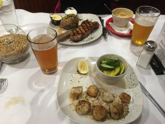 Barley and Hops Grill and Microbrewery: Steak and scallops, thats livin'