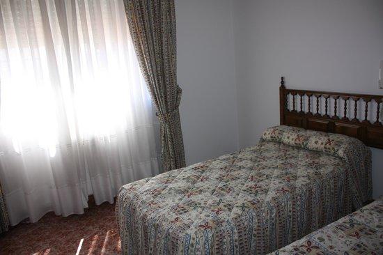 Hotel Lago 82: cama