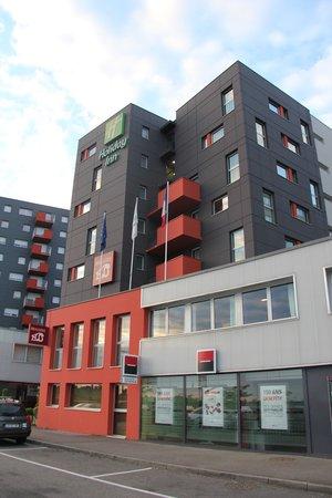 Holiday Inn Mulhouse : Exterior, lobby side, main entry