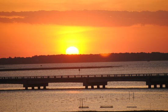 Comfort Suites Chincoteague : Sunset from balcony