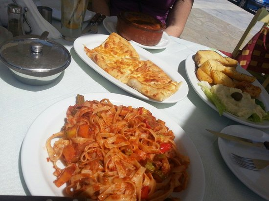 Aeoli: Such good value for money! Meals were flavoursome and big!! :)