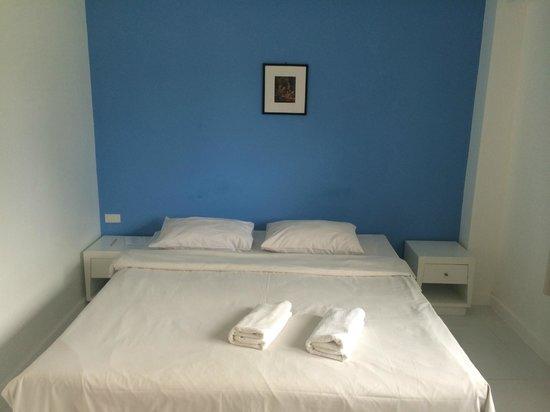 PP Charlie Beach Resort : chambre