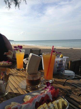 Lanta Palm Beach Resort: Frukost