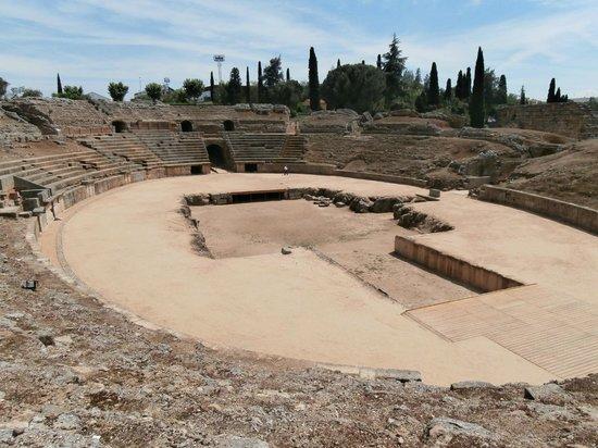 Roman Theater (Teatro Romano): Anfiteatro: interno