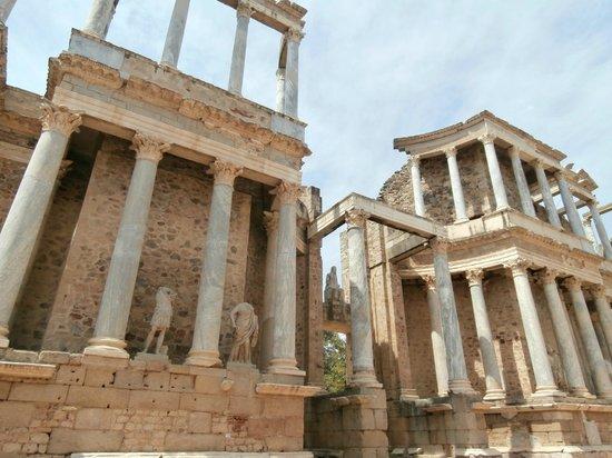 Roman Theater (Teatro Romano): Scena del Teatro