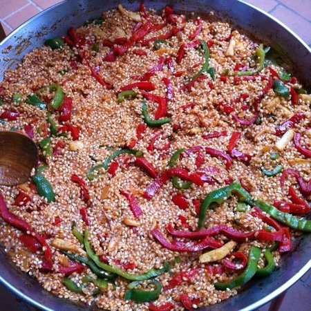 Barcelona Slow Travel : Cooking the Rice with the Veggies