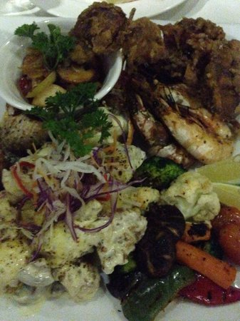 The Cliff Restaurant & Bar: Sea food grill!  Só provando para entender! A gentileza dos funcionários também conta muito!