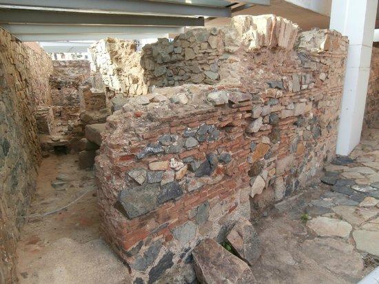 Roman Theater (Teatro Romano): Resti di casa alla Moreria