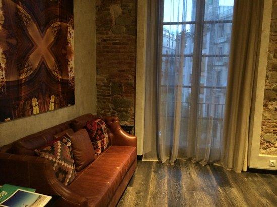 Aparthotel Arai: Sofa + view